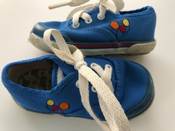 a879e1ac16 Vintage Balloon ZIPS Stride Rite Sneakers Tennis Shoes Size 5