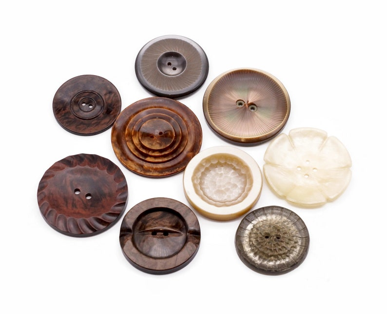 Mix of 9 Large Vintage Buttons in different sizes colors and image 0