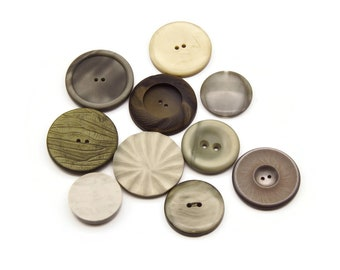 Mix of 10 Large Vintage Buttons in different sizes, colors and designs