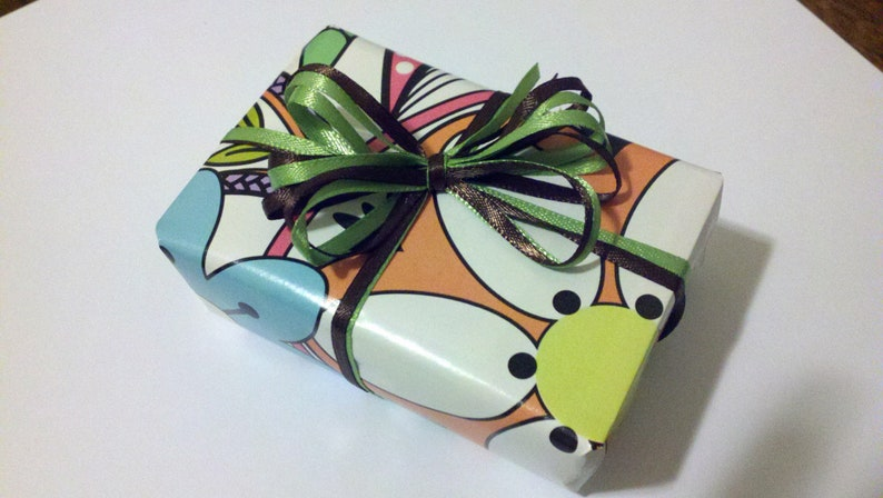 Gift wrapping image 0