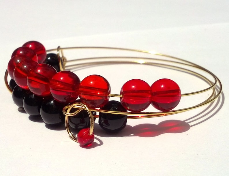 Hot Coals abacus bracelet in red and black glass image 0