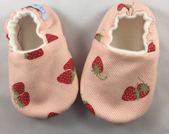 Baby shoes, baby slippers, baby girl shoes, baby shower gift, strawberry baby slippers, pink baby shoes, crib shoes, toddler shoes