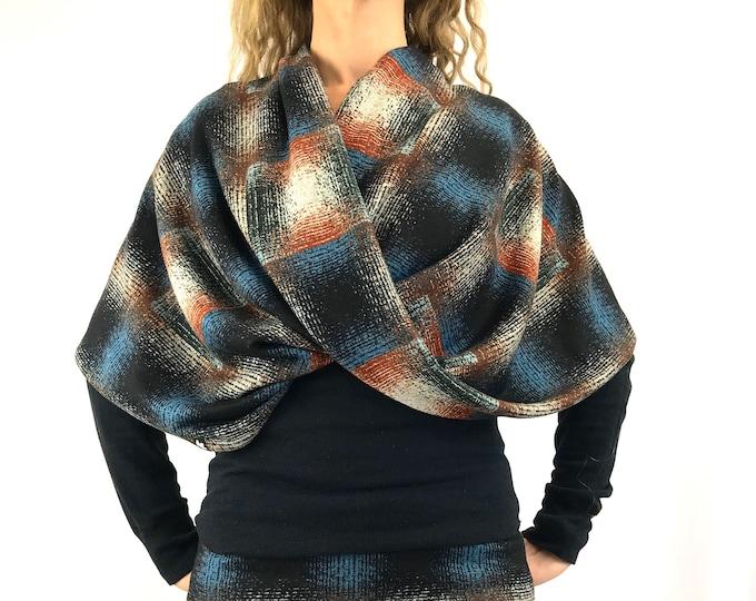 Vee Plaid - Sweater-Knit ~ D.D Infinity