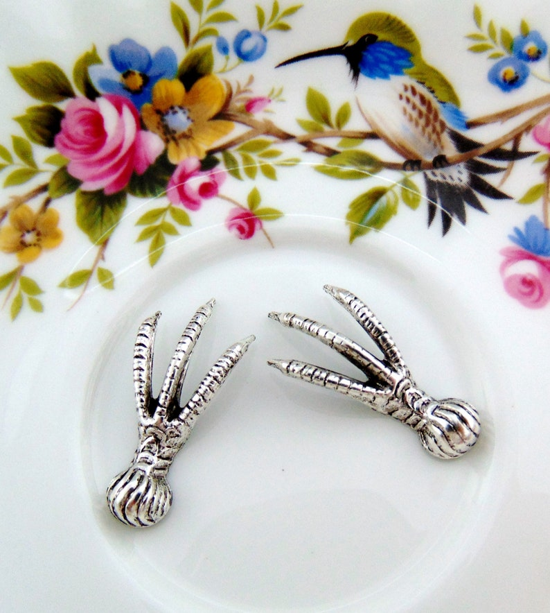 FA-6033 2 Pieces Avian Bird Claw Foot Talon Stampings ~ Oxidized Jewelry Findings ANTIQUE SILVER