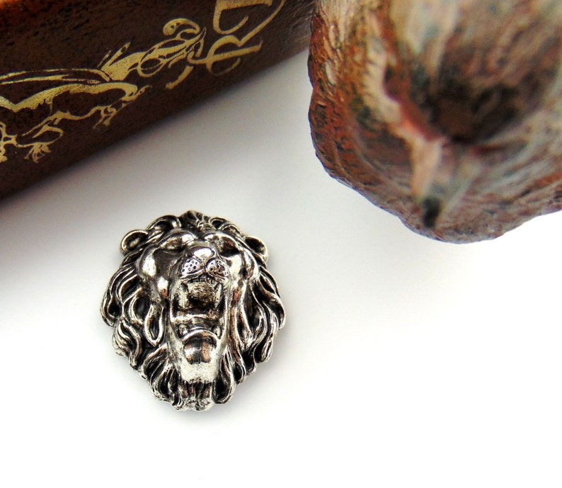 ANTIQUE SILVER Roaring Lion Stamping ~ Jewelry Findings CA-3024 2 Pieces