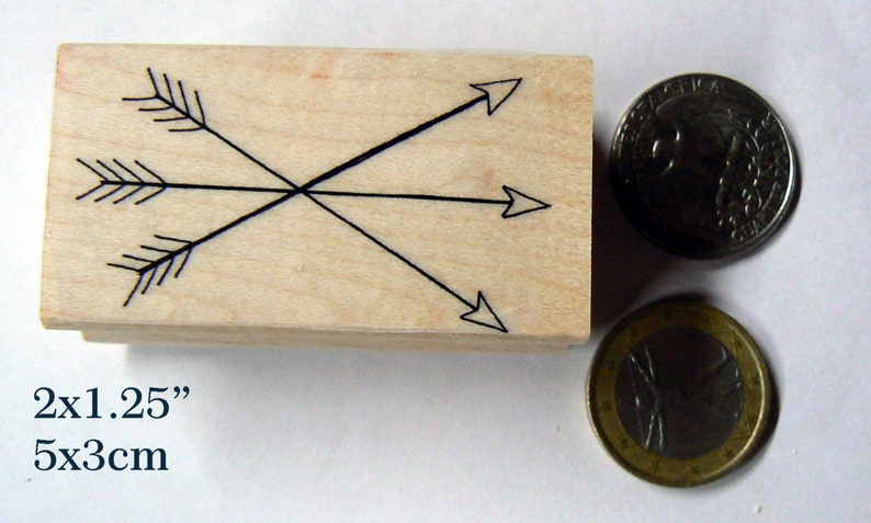 P106  Three arrows crossed rubber stamp