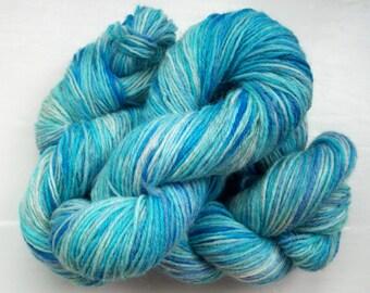 Sock yarn, hand dyed wool, hand painted, marine, blue, hyacinth purple 100g by SpinningStreak