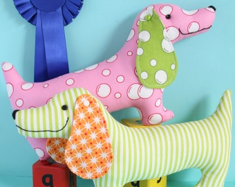 Best in show dog sewing pattern, plush dog, plush pdf pattern, dog PDF, wiener dog, sausage dog, sausage dog toy,
