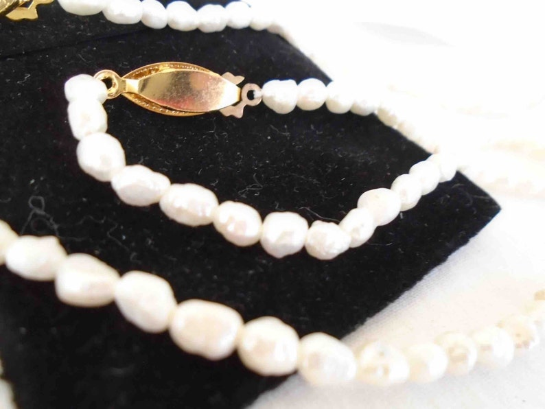 VIntage Eighties Set of Freshwater Pearl Necklace /& Bracelet with Bag from Sun Coast Marketing