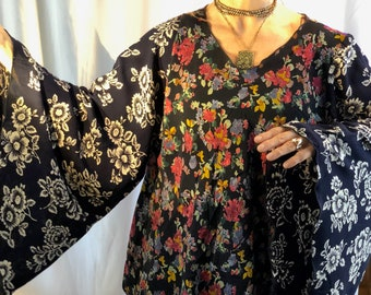 VINTAGE RAYON flutter sleeve flower tunic
