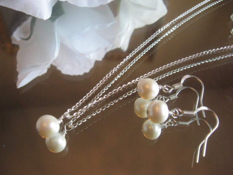 Wedding Jewelry Set-White Akoya Cultured Pearl Necklace and Earring Set Bride or Bridesmaidl Pearl Jewelry SetWedding Jewelry