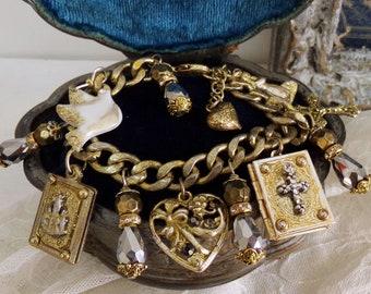 Vintage FATIMA Virgin Mary Peace charm Prayer book LOCKET bracelet