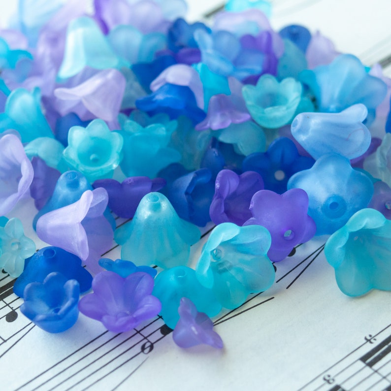 Acrylic Flower Mix in Peacock Colors Bell and Trumpet Shapes 120 Beads total in Complimentary Colors 5x9mm to 11x13mm Size Beads