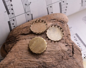 20mm Scalloped Antiqued Bronze Bezel Cups Settings Flatback Holder for 20mm Round Cabochons