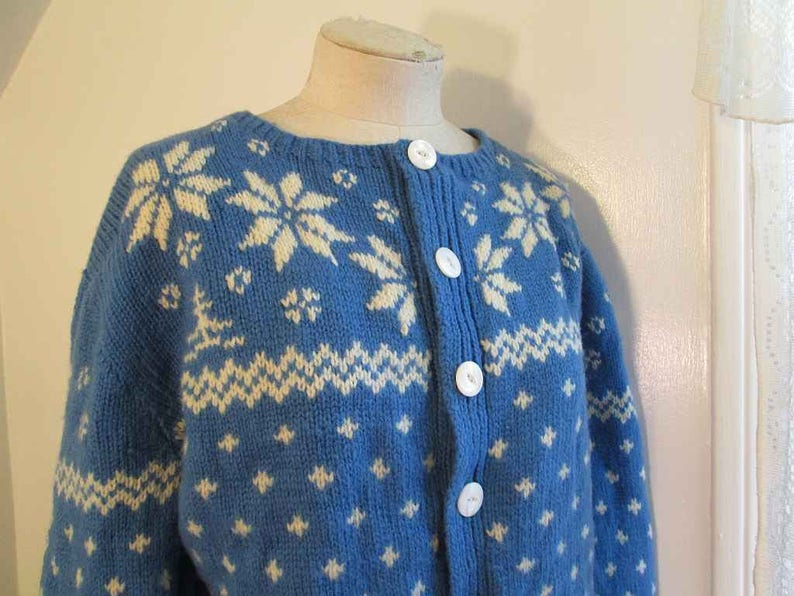 791b583f72 Blue and White Wool Scandia Sweater Snowflake Vintage Folklore Sweater  Handknit Blue Wool Cardigan Big buttons 60s wool chunky Cardigan L XL