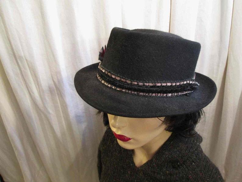 607aae700fd8e Vintage Black felt fedora 60s vintage black Trilby hat Small brim Red  Feather trim Kenworth hat 60s wool fedora M L
