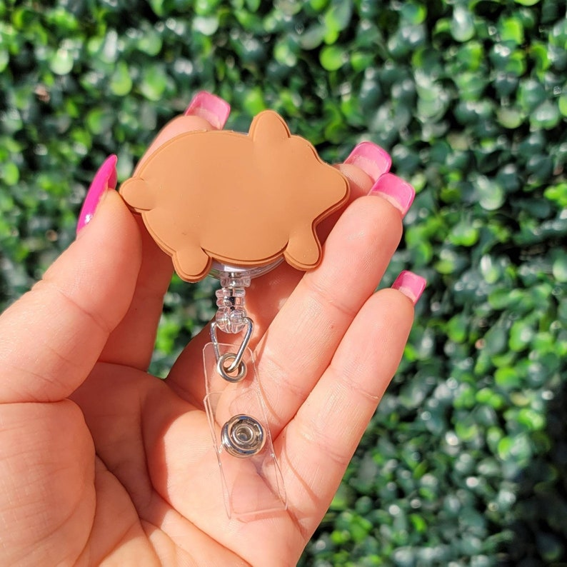 Puerquito pig pan dulce sweetbread badge reel holder