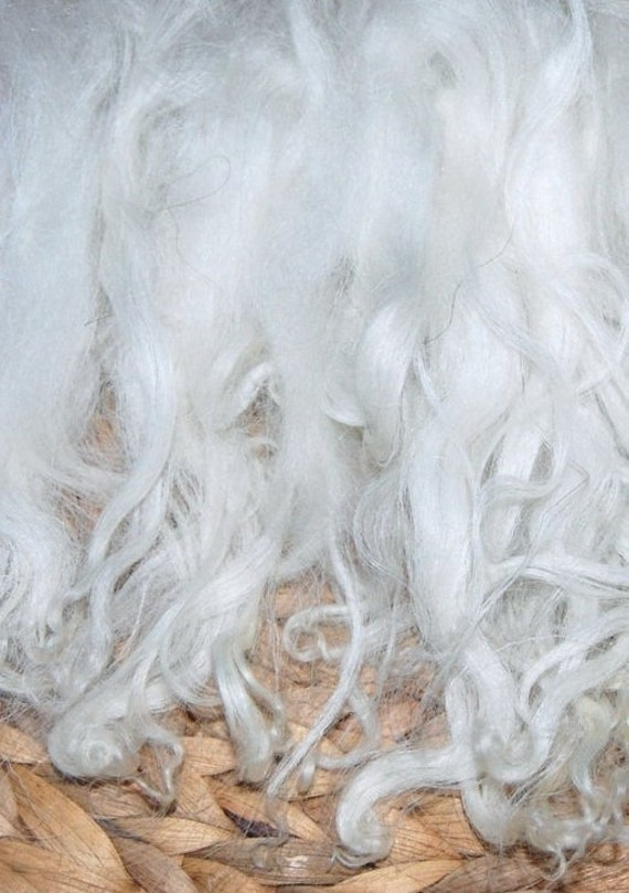 Cotswold Wool Locks Santa Beards Needle Felt Doll Hair Creamy White doll hair Doll Wig Felt 2oz Santa Beards Locks for Spinning