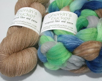 "Hand Dyed Fiber, ""Downward Peacock"" Kit - READY-TO-SHIP (""Banter"" coordinator lace), Spinning Weaving Fiber"