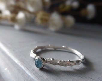 Aquamarine Dainty Ring, Skinny Twig Ring, Botanical Jewelry, March Birthstone, Gift for Pisces