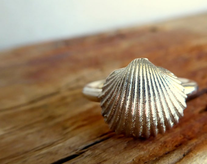 Shell Ring Sterling Silver Ring Nautical Solitaire Ring Gifts for Her, Stocking Stuffer Under 70