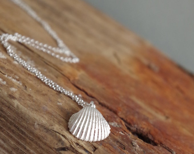 Shell Necklace Mothers Day Dainty Jewerly Summer Necklace Bridesmaid Gift Beach Wedding