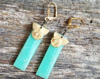 Gold and Celadon Earrings - Chrysoprase earrings - Frog and lily pad charm