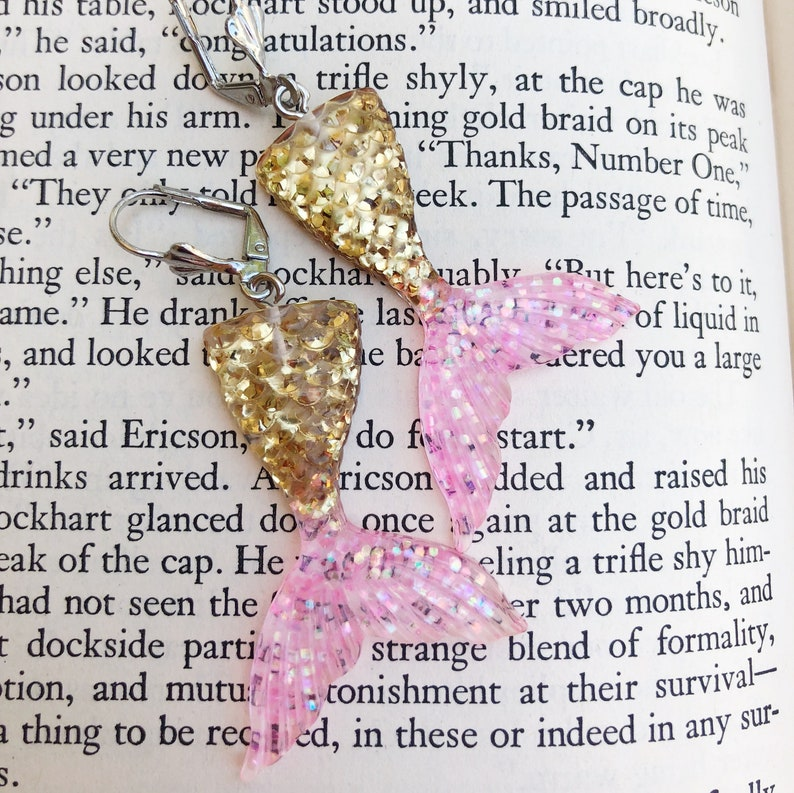 Mermaid tail dangle earrings pink and gold glitter resin image 0