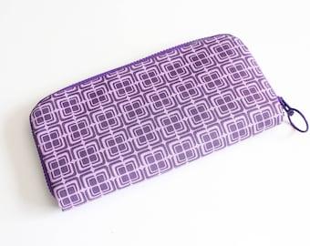 Womens zip around wallet / Checkbook Wallet / Cell Phone Wallet / Passport Wallet / Credit Card Wallet / Accordian wallet / Mod purple