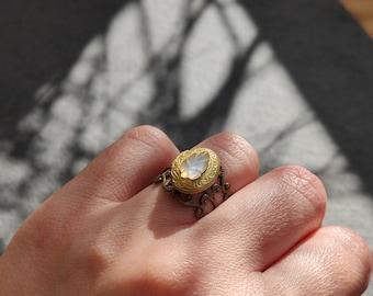 Moonlit leaf - Handmade adjustable size locket ring with vintage glass leaf