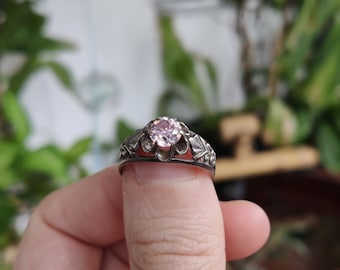 Vintage light violet pink faceted cubic zirconia crystal Soviet ring, Russian Silver floral filigree size 8 1\2
