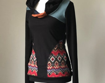 extra long sleeved hooded top with pockets/black with multi-color pattern, copper, teal and navy details