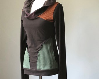 extra long sleeved hooded top with pockets/brown with rust orange, olive green, and dusty purple