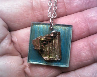 Bismuth Iridescent Metallic Metal Druzy Crystal Grouping Pendant Smooth backing by Lynn Ln1335 Oval 1.75 on acrillic setting Unisex