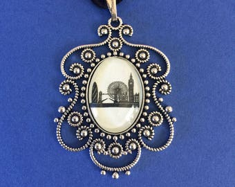 LONDON Silhouette Choker Necklace - pendant on ribbon