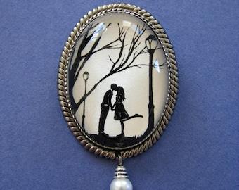 AUTUMN KISS Brooch - Silhouette Jewelry