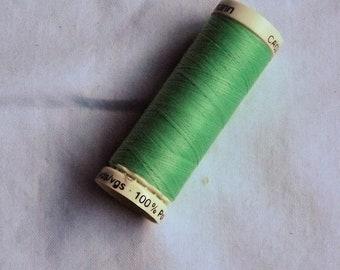 Green Gutermann Sew All thread Various spool sizes Colour 239 Green Thread