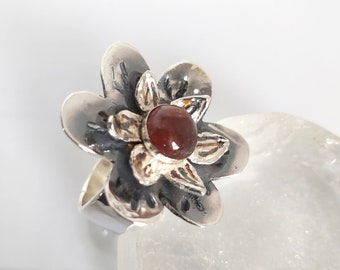 Silver Tourmaline Ring,Sterling Stone Ring,Sterling Flower,Flower Ring,October Birthstone,Natural Tourmaline Jewelry,Etsy Gift