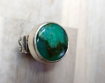 Green Stone Ring,Silver Chrysoprase,Round Green Ring,Sterling Silver,Natural Stone Ring,Rare Green Ring,Artisan Jewelry Ring,Gift for Her