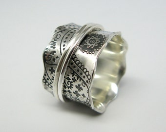 Vintage Inspired Paisley Sterling Silver Spinner Ring with Two Stering Silver Spinners