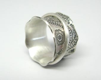 Vintage Inspired Sterling Silver Paisley Spinner Ring - Size 8