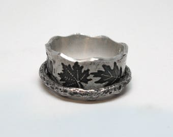 Falling Leaves Sterling Silver Spinner Ring in Size 4 1/2