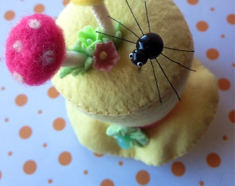 Eeekk! Scary Cute Spider Pin Topper