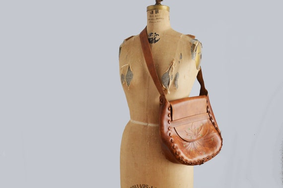 70s tooled leather shoulder bag 70s brown floral h