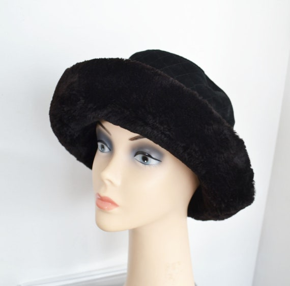 Black Beaver fur hat with suede top