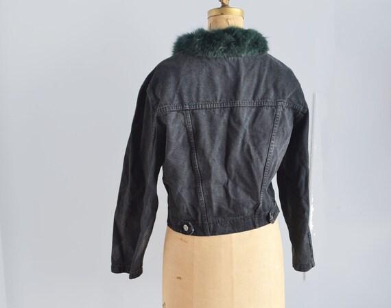 Vintage black denim jacket with fur collar - image 4