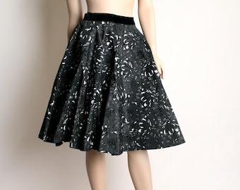 Vintage 1950s Full Circle Skirt - Black Velvet Taffeta Floral Swirl Skirt - Small