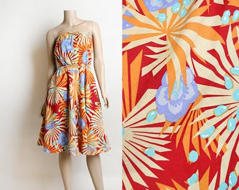 65b2fc7548 Vintage 1970s Summer Dress - Bright Floral Tropical Starburst Sunburst Print  - Cotton Strapless Knee Length Dress with Pockets - Small XS