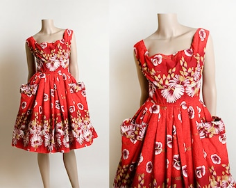 02657f1364 Vintage 1950s Kamehameha Hawaiian Dress - Cherry Red Floral Print Full  Skirt with Big Pockets - Cotton Tiki Tropical - Small