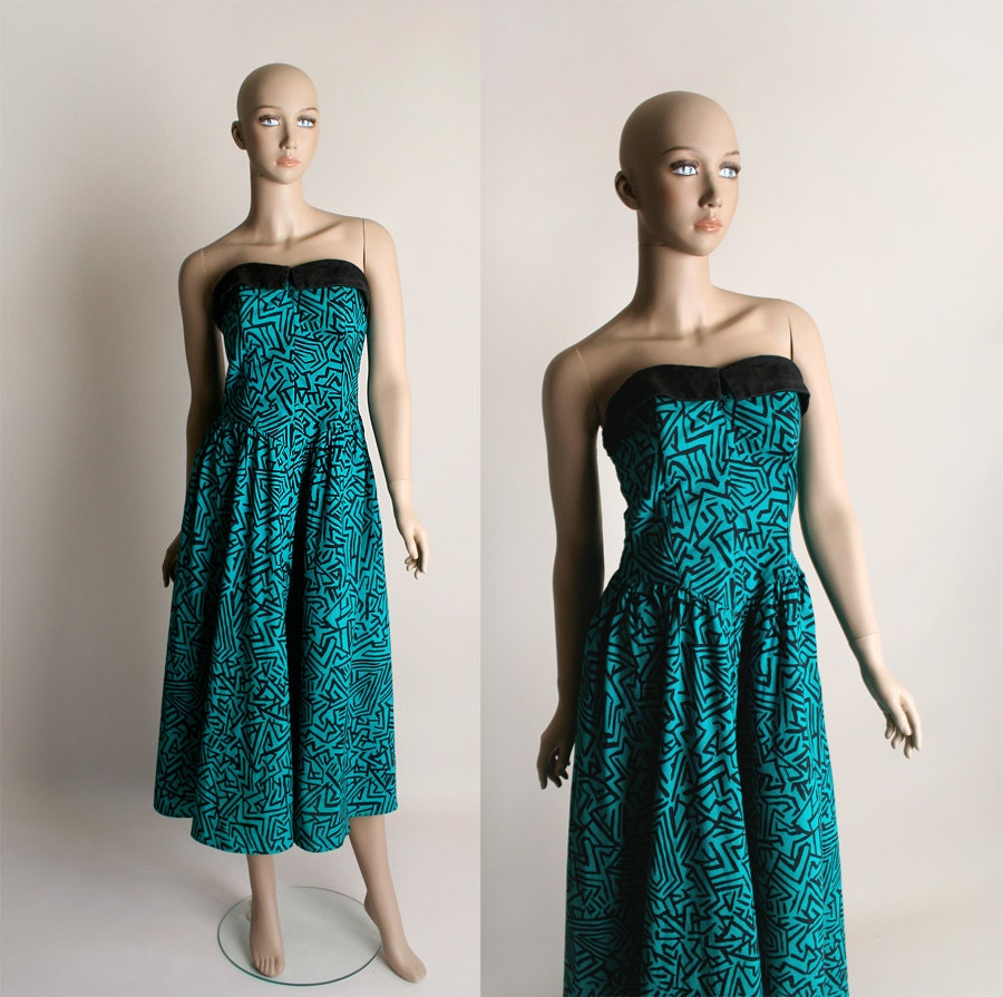 80s Dresses | Casual to Party Dresses Vintage Rockabilly Dress - Strapless 1980S Does 1950S Style Wild Print Teal Cotton Vlv Large $70.00 AT vintagedancer.com